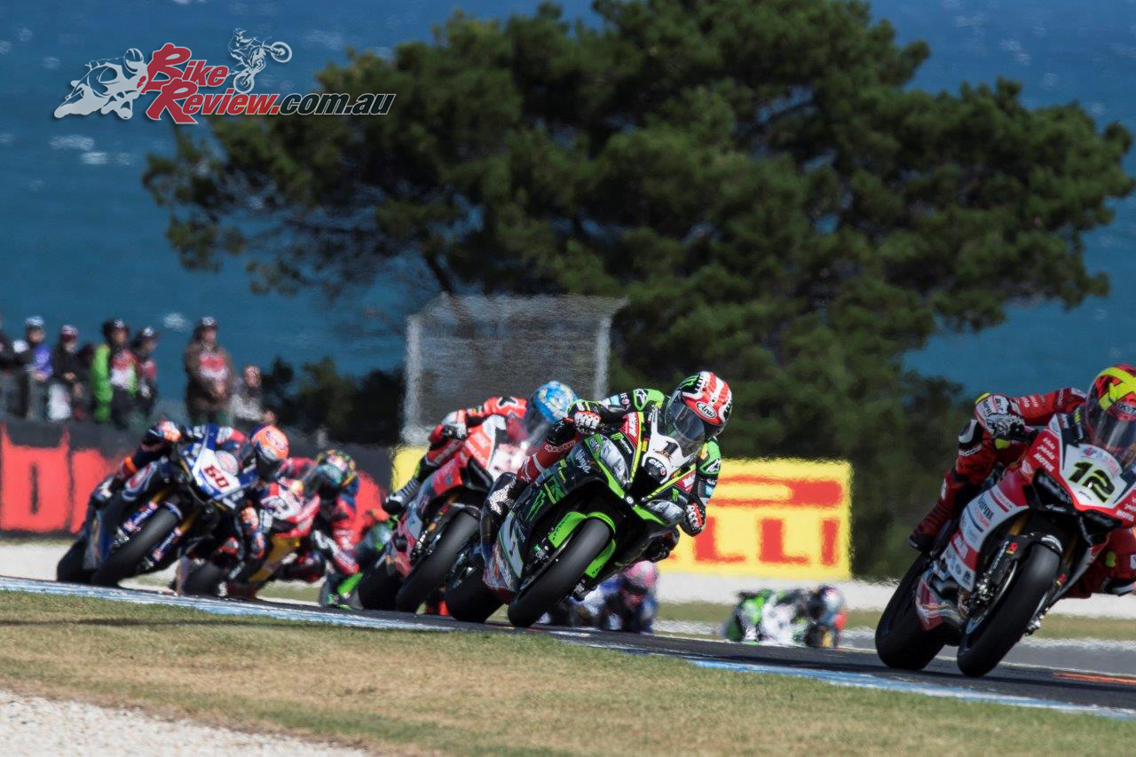 Fores, Rea, Melandri and van der Mark battle it out