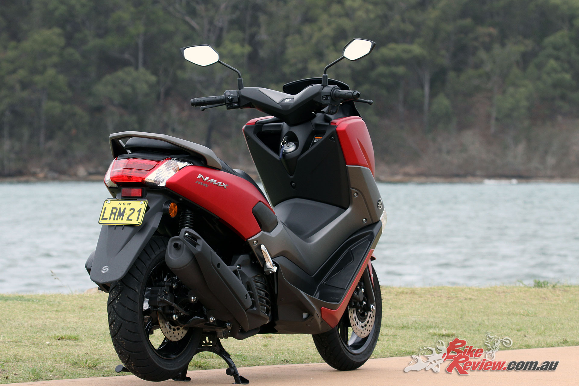 Review: 2018 Yamaha NMAX 155 Scooter - Bike Review
