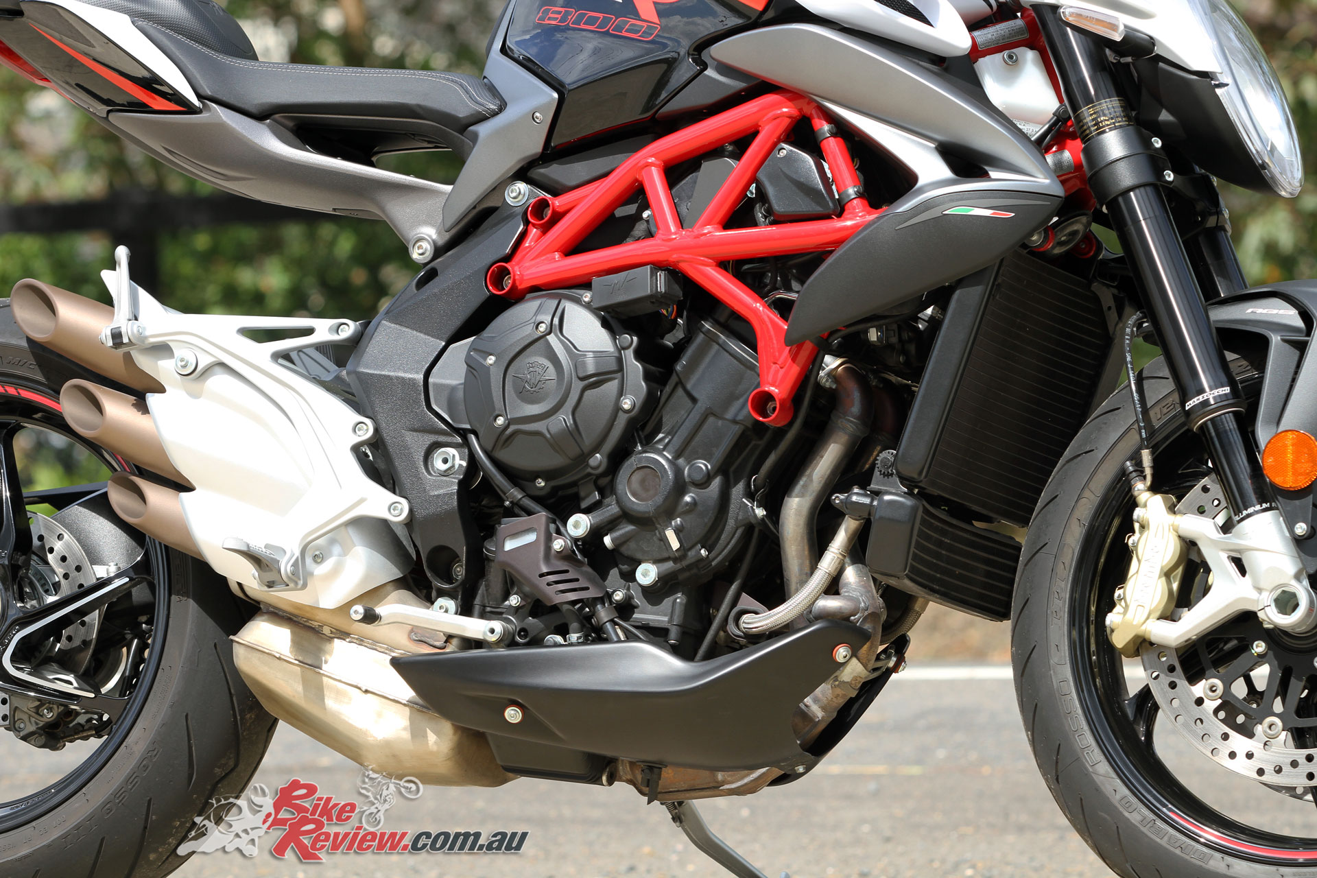 An extensive electronics system offers ABS, traction control and rider modes, with the dual injector per cylinder making a notable difference to throttle response and smoothness