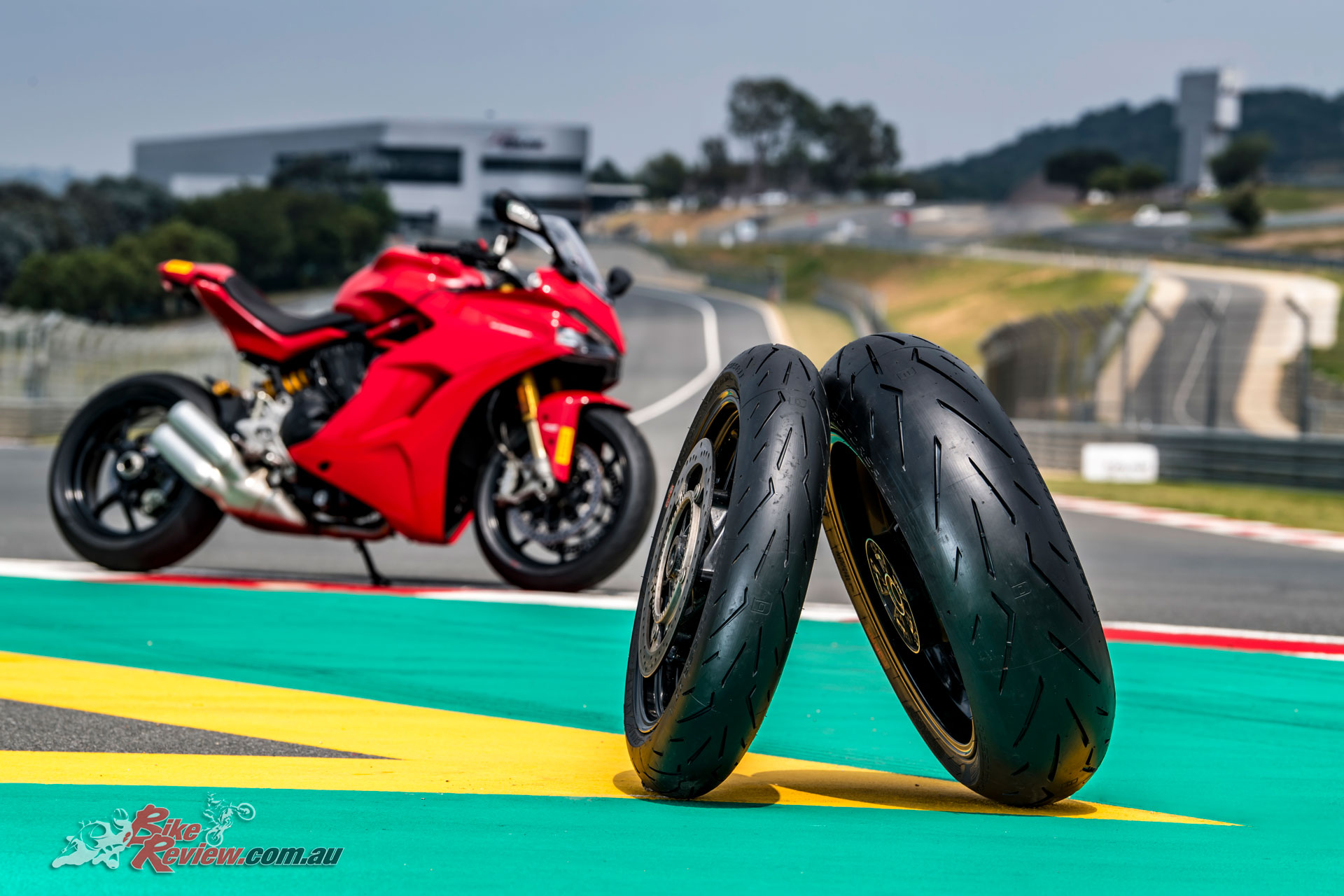 gallery pirelli diablo rosso corsa ii launch bike review. Black Bedroom Furniture Sets. Home Design Ideas