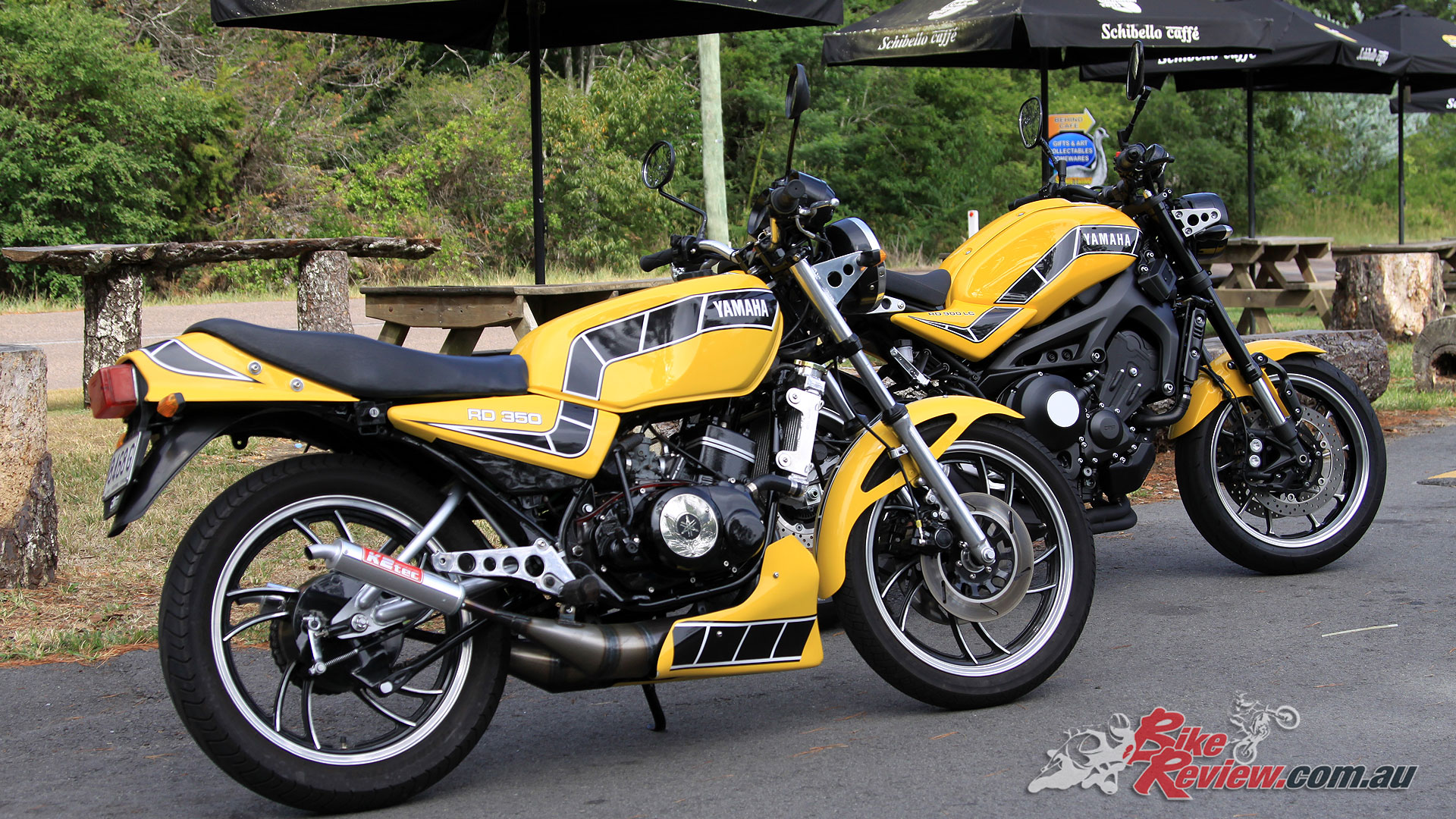 Pommie's restored 1981 Yamaha RD350LC