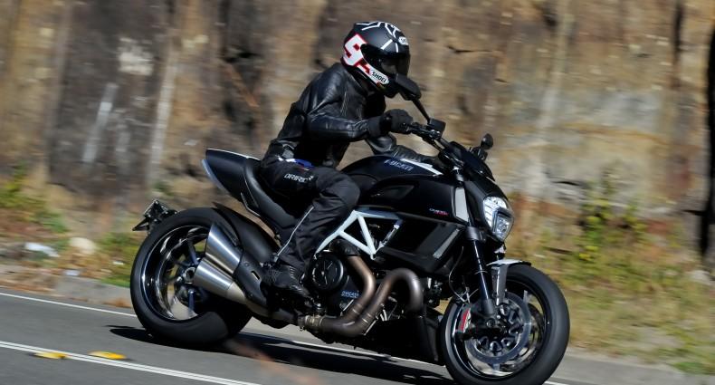 2014 Ducati Diavel BikeReview
