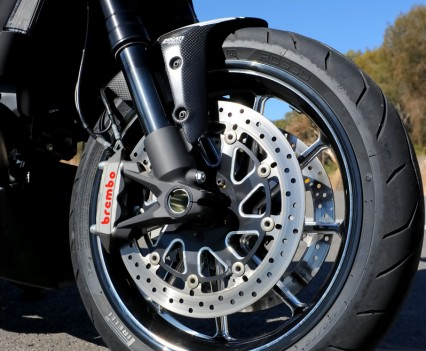 Dual four-piston Brembo Monobloc radial calipers and 320mm semi-floating rotors.