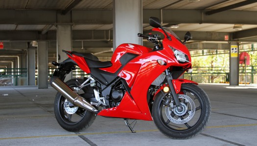 Review: 2014 Honda CBR300R & CB300F