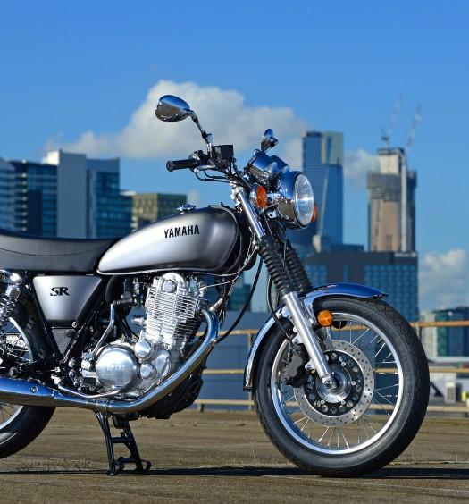 2014_Yamaha_SR-400_11
