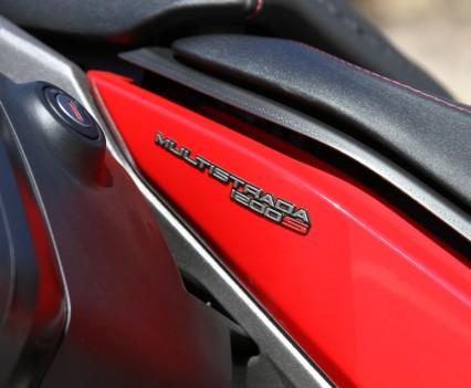 2015 Ducati Multistrada 1200 S Bike Review (11)