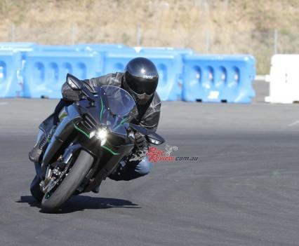 Bike Review H2 Kawasaki20150730_0096