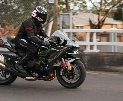 Bike Review H2 Kawasaki20150730_0124