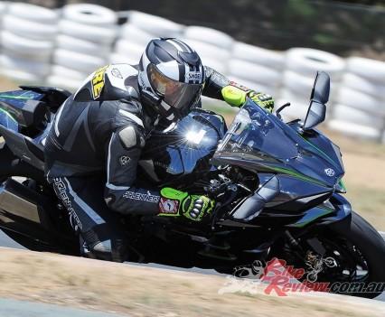 Bike Review H2 Kawasaki20151125_0126