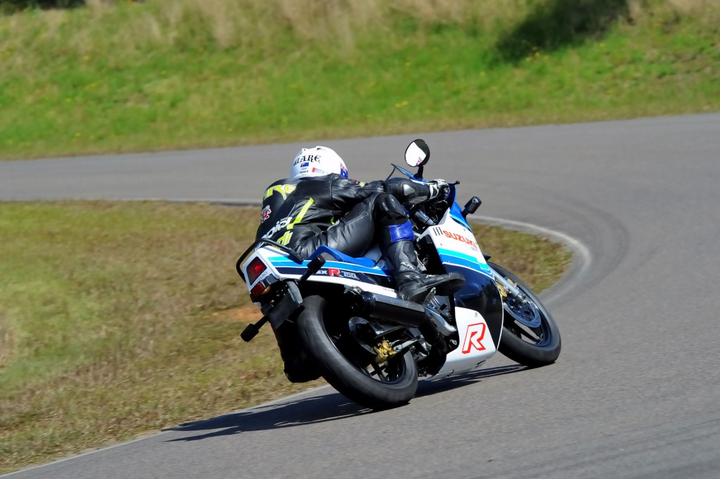 BikeReview GSX-R750 Old v New (8)