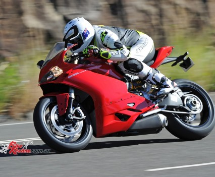 2015-Ducati-1299-BikeReview-(40)