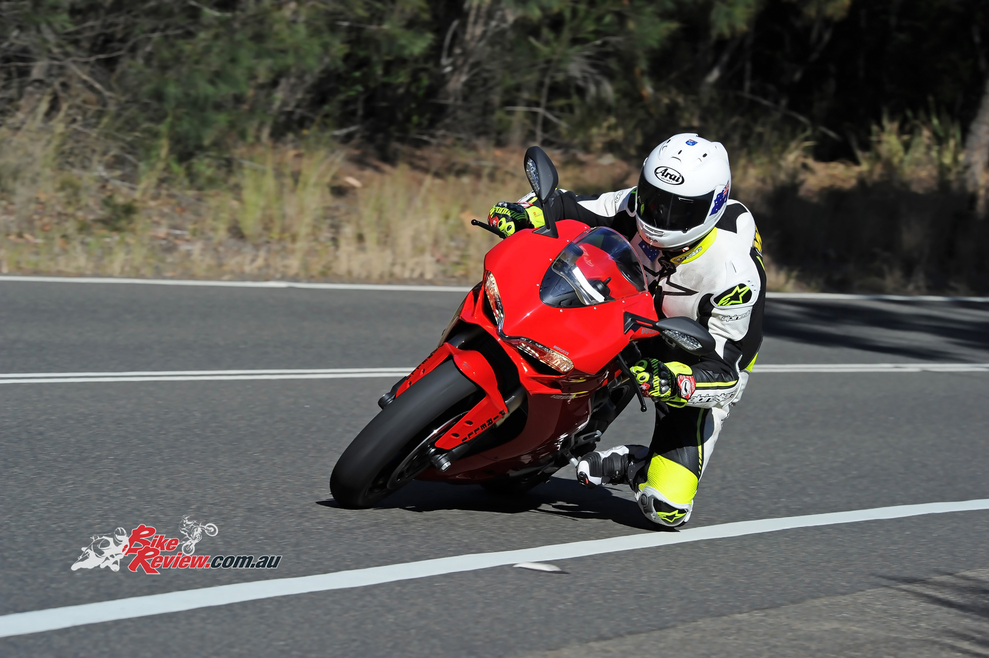 Ducati Panigale 1299 >> Review: 2016 Ducati Panigale 1299 - Bike Review