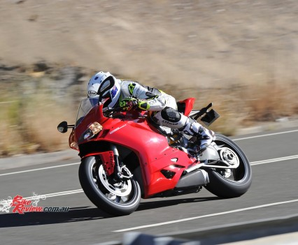 2015-Ducati-1299-BikeReview-(51)