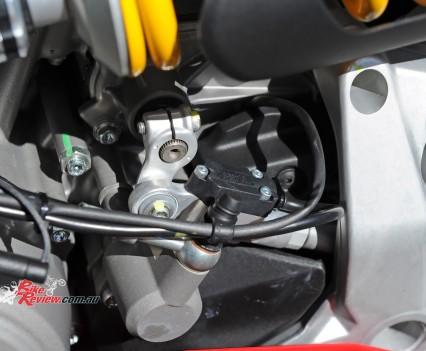 2015-Ducati-1299-BikeReview-(61)