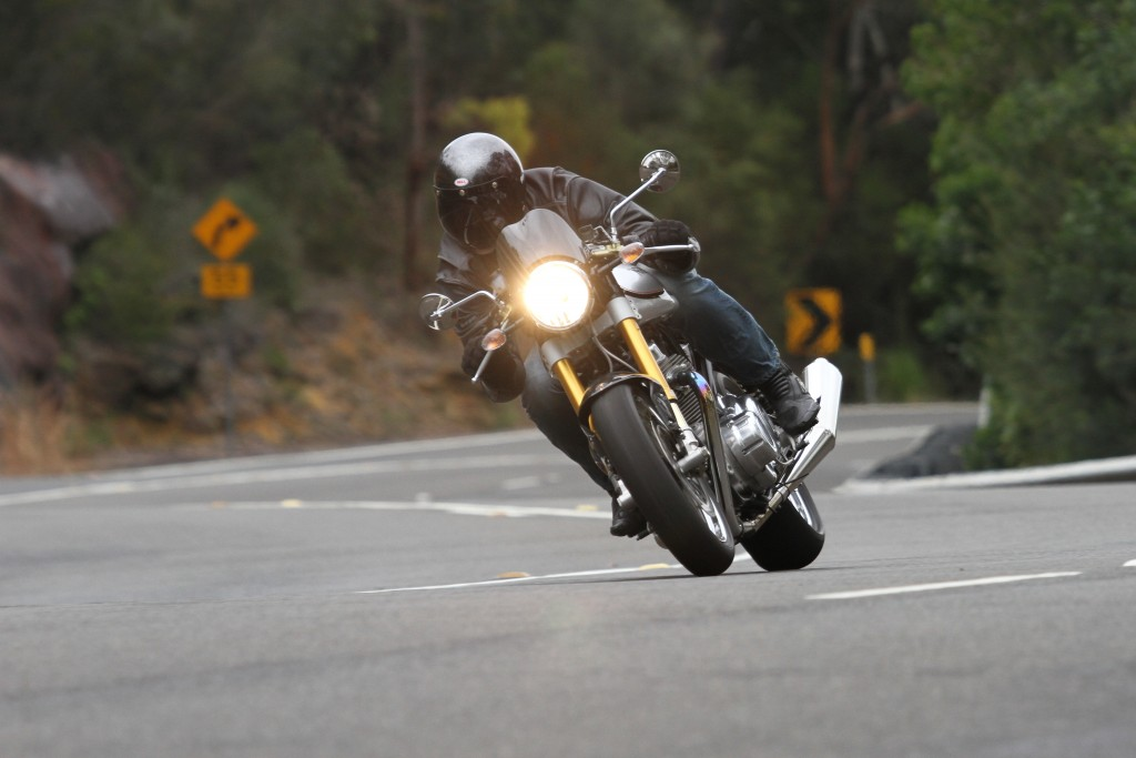 2015 Norton Commando Cafe Racer BikeReview (1)