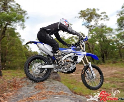 Bike Review 2016 Yamaha WR450F Actions (1)