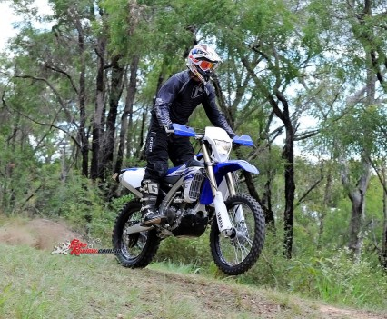 Bike Review 2016 Yamaha WR450F Actions (14)