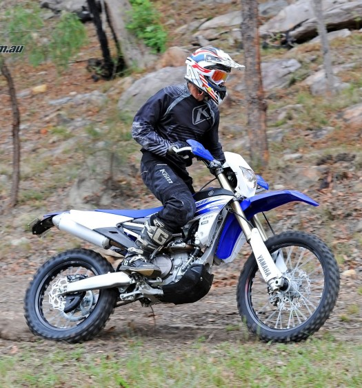 Bike Review 2016 Yamaha WR450F Actions (9)