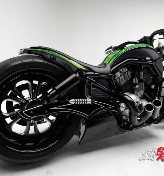 Bike Review Custom HD V-Rod Neon Black (5)