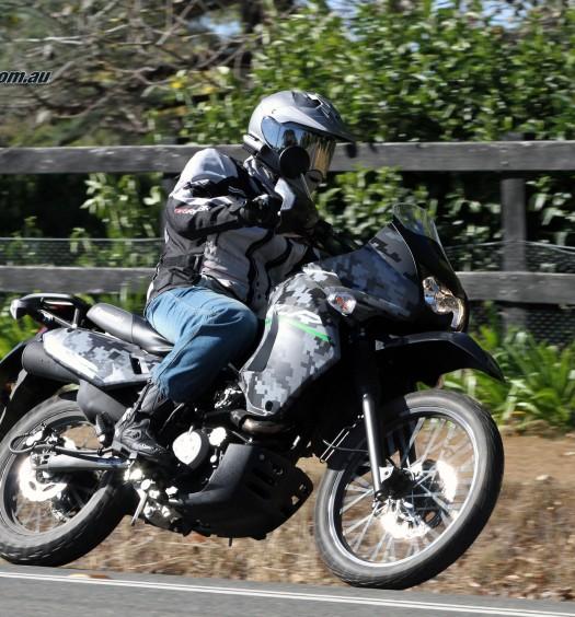 2016 Kawasaki KLR650 Bike Review Actions (9)