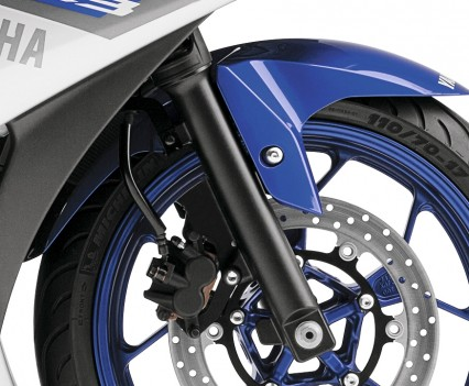 2016 Yamaha YZF-R3 Bike Review Details (5)