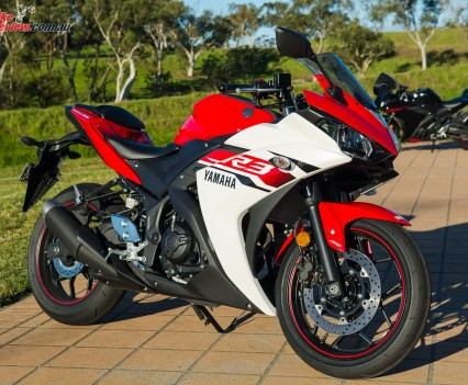 2016 Yamaha YZF-R3 Bike Review Statics (1)