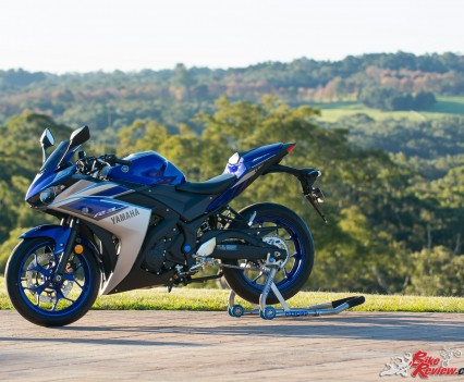 2016 Yamaha YZF-R3 Bike Review Statics (3)
