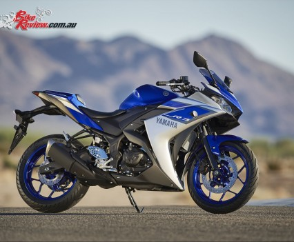 2016 Yamaha YZF-R3 Bike Review Staticss (1)
