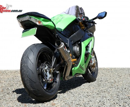 Bike Review Titanium Kawasaki ZX-10R  Statics 11