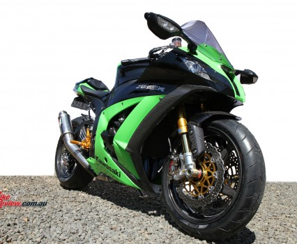 Bike Review Titanium Kawasaki ZX-10R  Statics 9