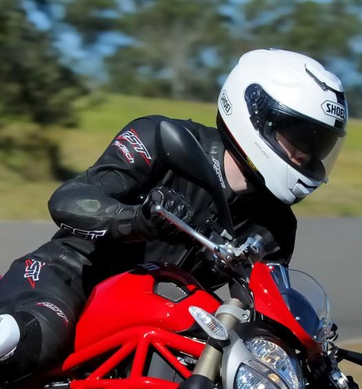 Shoei GT-Air Wanderer TC5 Bike Review 3