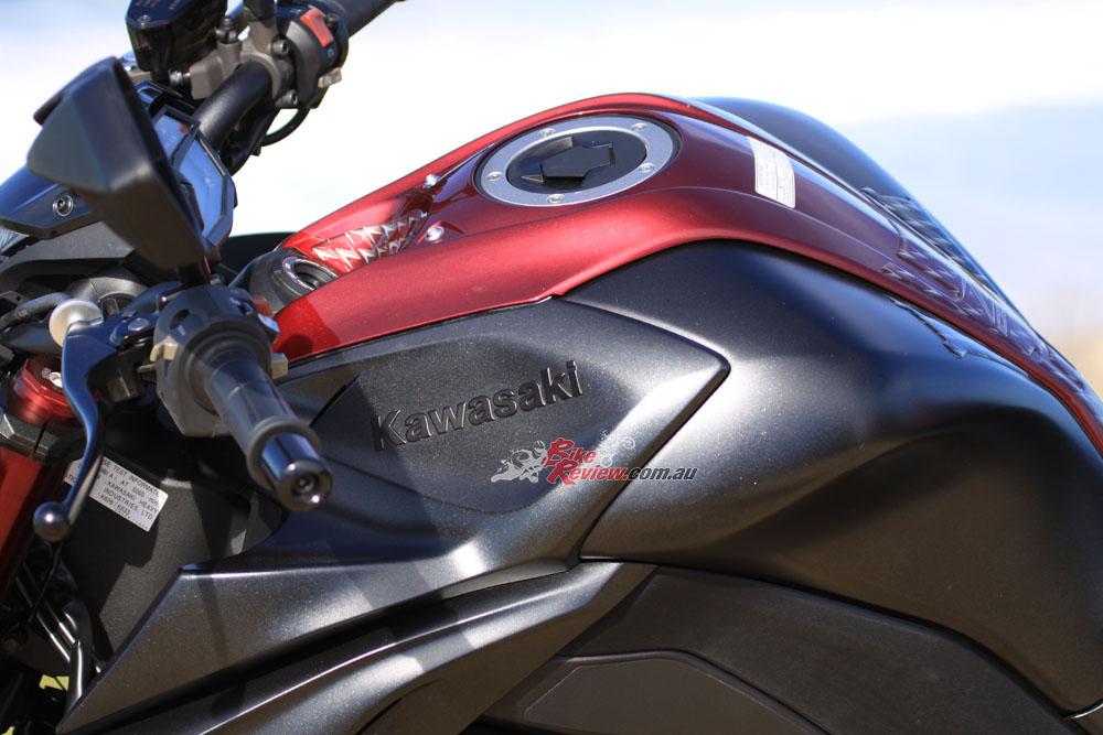 2016 Kawasaki Z1000 Bike Review20160524_0562 - Bike Review