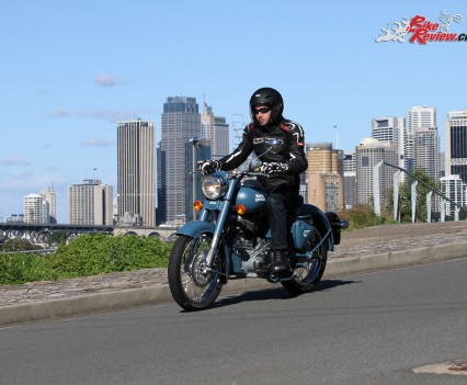 2016 Royal Enfield Classic 500 Bike Review (12)