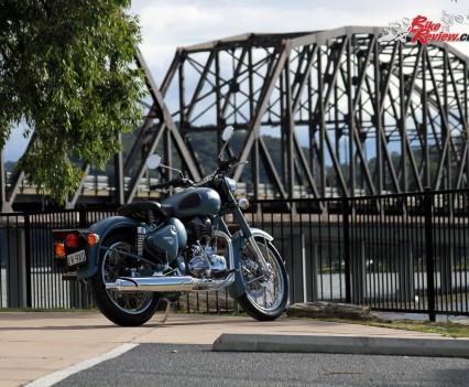 2016 Royal Enfield Classic 500 Bike Review (7)