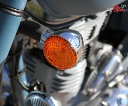 2016 Royal Enfield Classic 500 Bike Review Details (10)