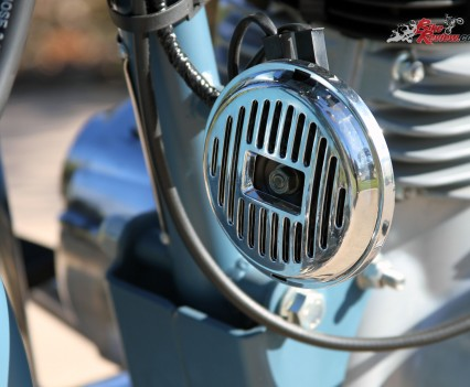2016 Royal Enfield Classic 500 Bike Review Details (11)