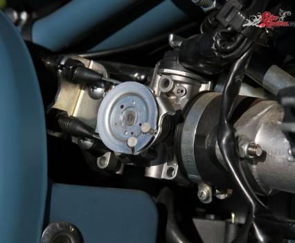 2016 Royal Enfield Classic 500 Bike Review Details (15)