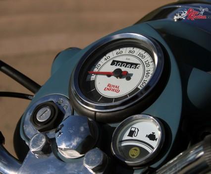 2016 Royal Enfield Classic 500 Bike Review Details (6)