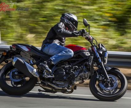 2016 Suzuki SV650 LAMS Bike Review  Action (21)