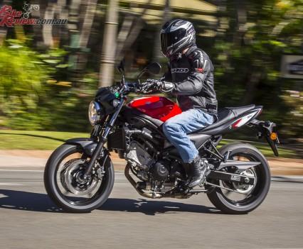 2016 Suzuki SV650 LAMS Bike Review  Action (26)