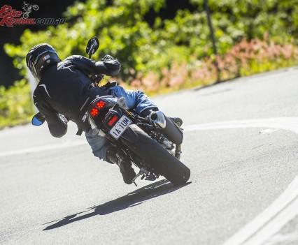 2016 Suzuki SV650 LAMS Bike Review  Action (29)