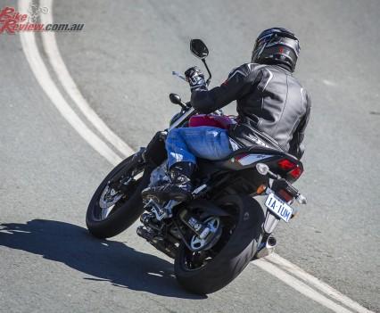 2016 Suzuki SV650 LAMS Bike Review  Action (9)