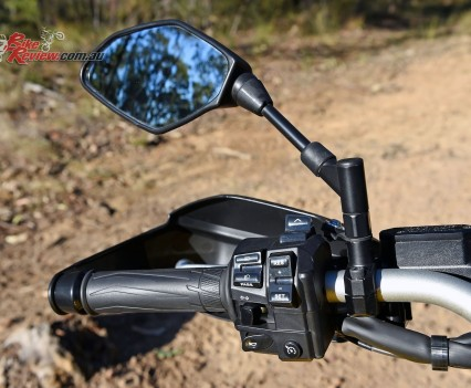 2016 Yamaha Super Tenere Details (13)