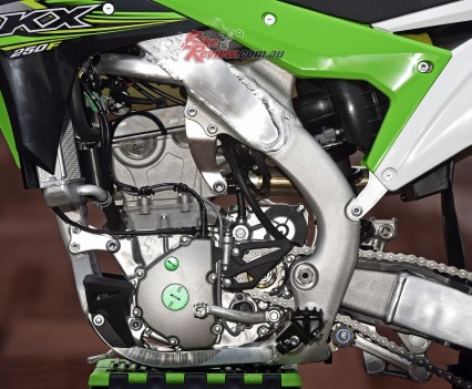 2017 Kawasaki KX250F Bike Review Det (1)