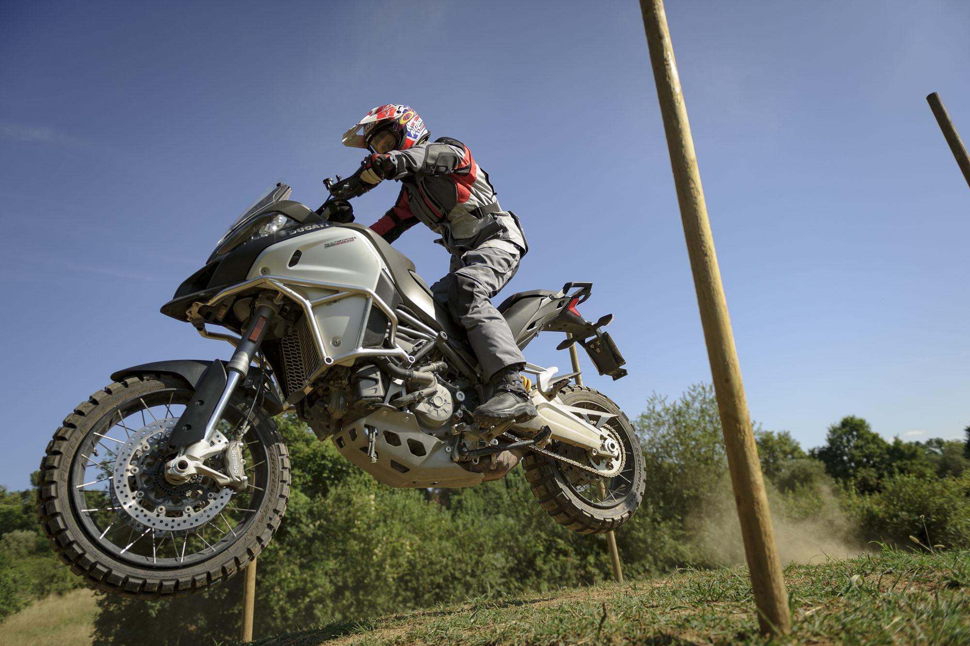 Harley Davidson Gear >> Casey Stoner at DRE Enduro - Bike Review