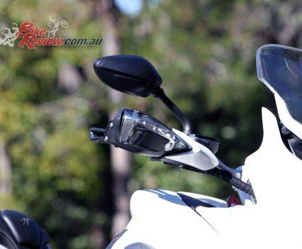 2016 MV Agusta Turismo Veloce Lusso 800 - Bike Review (23)