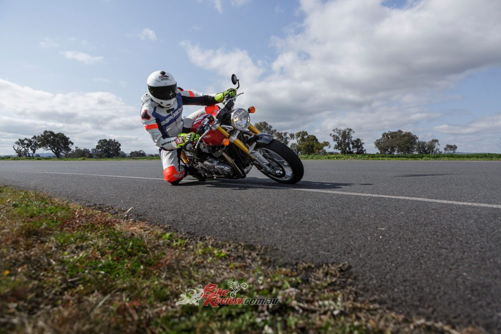 Jeff throwing his knee down on a Triumph Thruxton at the Murray Valley Training Centre track!