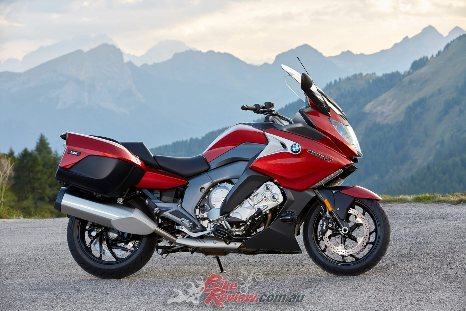2017 BMW K 1600 GT - Bike Review
