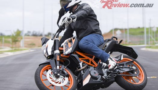 Review: 2016 KTM 390 Duke Quick Spin