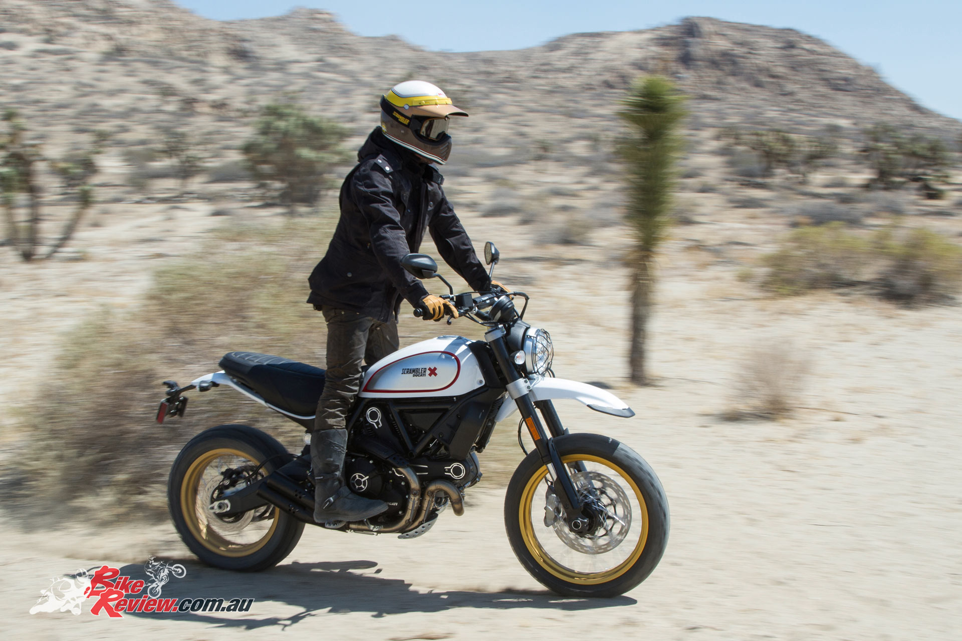2017 Ducati Scrambler - Desert Sled - Bike Review